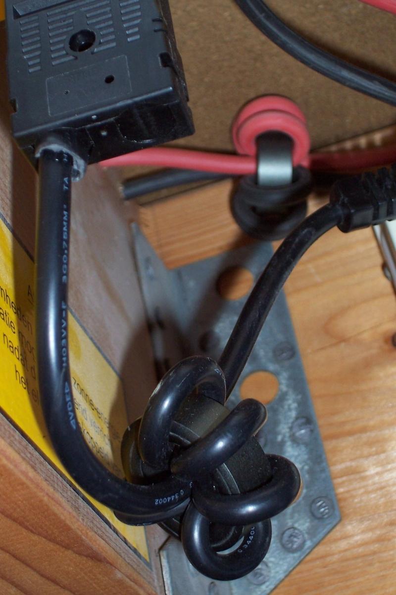 FT140-77 toroids to prevent HF noise